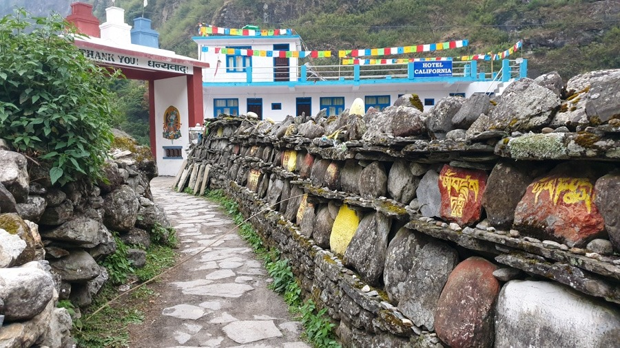 thonche-mani wall-dharapani